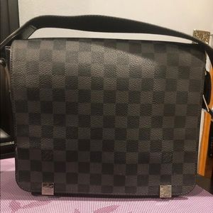 Louis Vuitton district Pm cross body bag